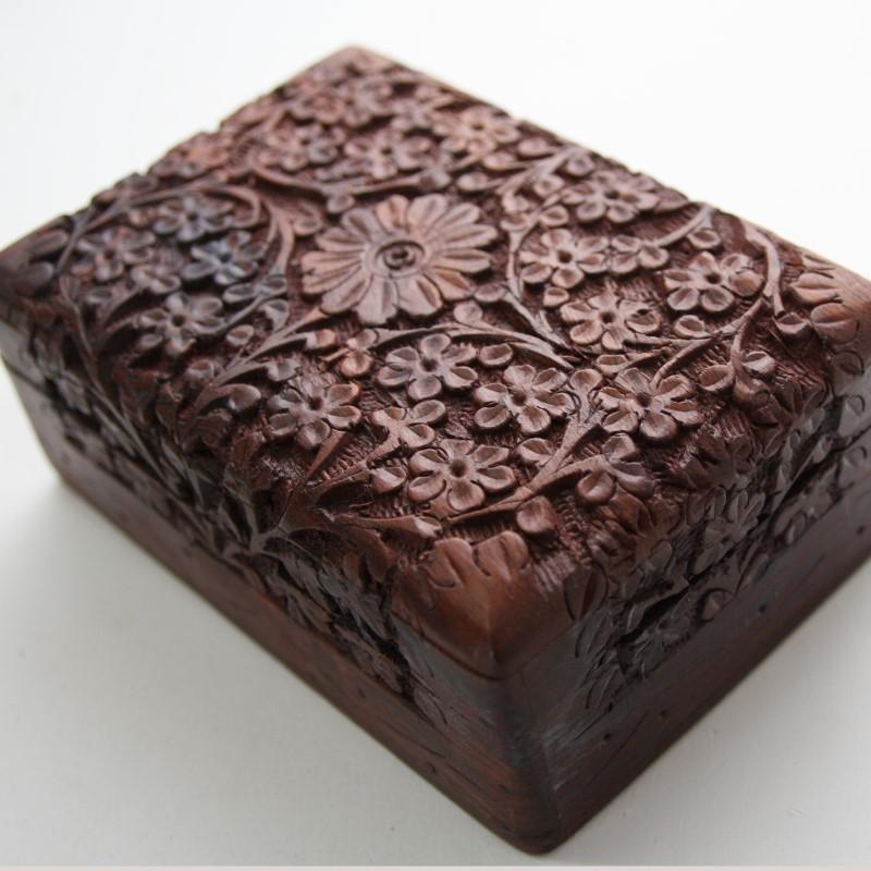 bo te en bois pour bijoux fleur coffre petite bois cercueil indien 1. Black Bedroom Furniture Sets. Home Design Ideas